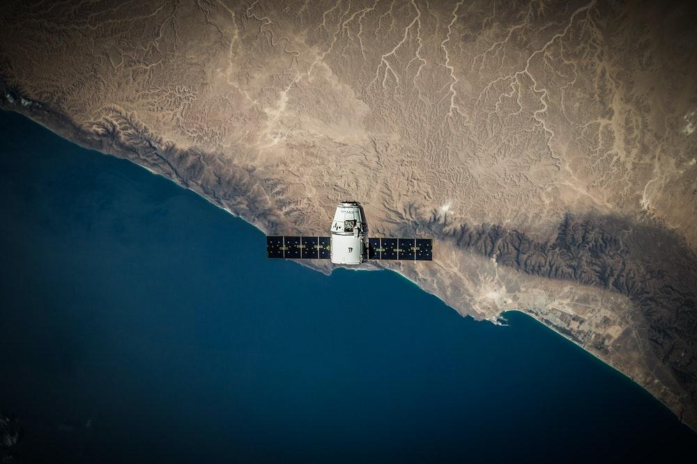 Reparación de componentes para satélites