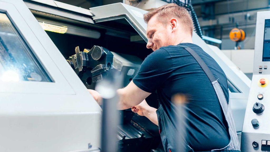 Cortadora CNC láser funcionamiento beneficios y aplicaciones